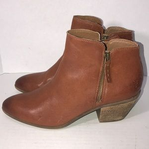 Nice Leather Frye Ankle Boot size 10